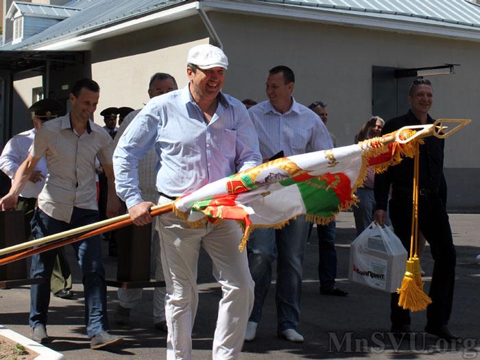 Выпускники идут на плац Минского СВУ